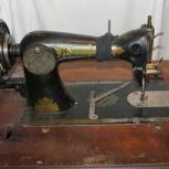 Старая швейная машинка со станиной, Нижний Новгород