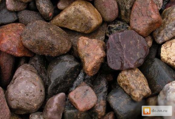 крупный гравий в бетоне